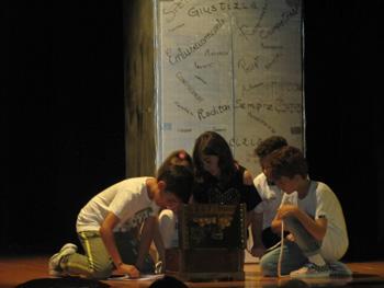 rappres. teatrale classe 5° 14-6-15 038